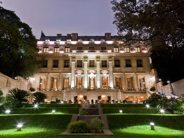 View of the gardens at Palacio Duhau-Park Hyatt Buenos Aires