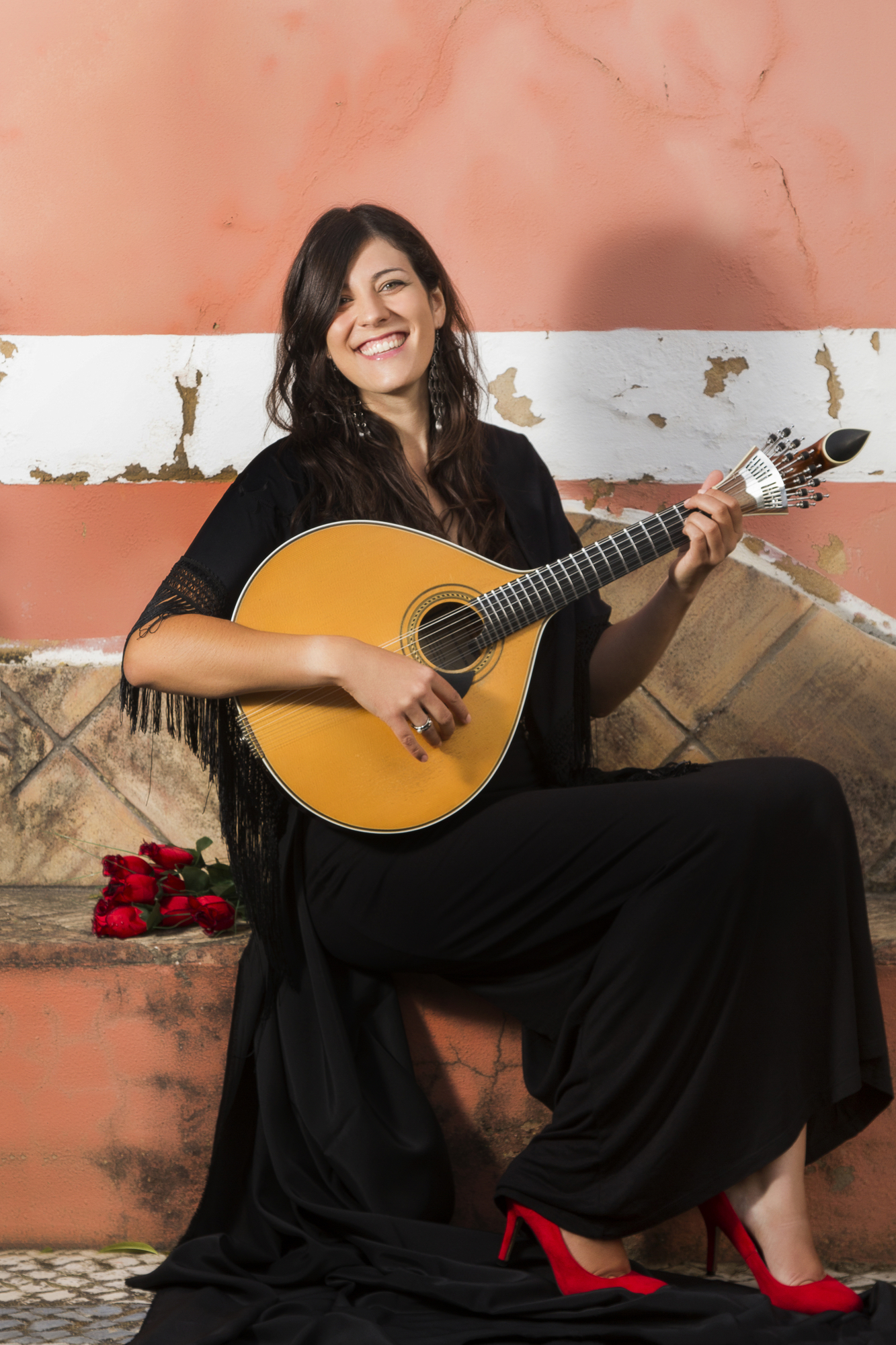 A beautiful singer and performer of traditional Portuguese Fado music.