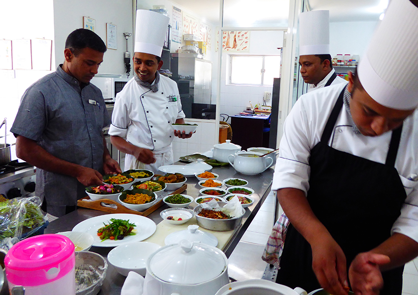 Enjoy a traditional cooking class at Cape Weligama